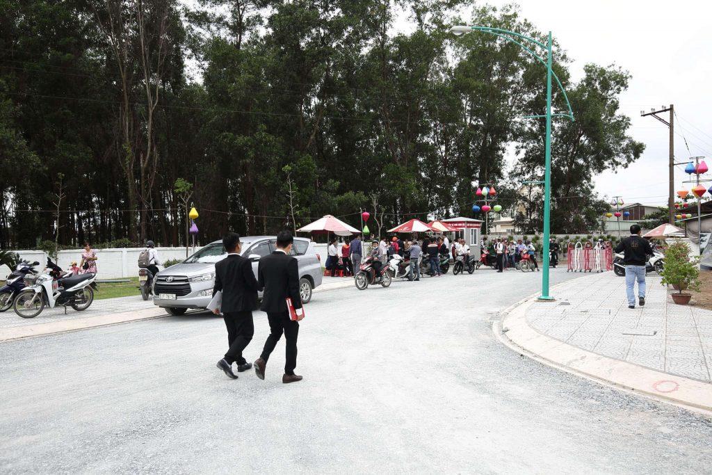 Khách tham quan dự án Khu dân cư Thiên Phú - Bình Dương của Cát Tường Group
